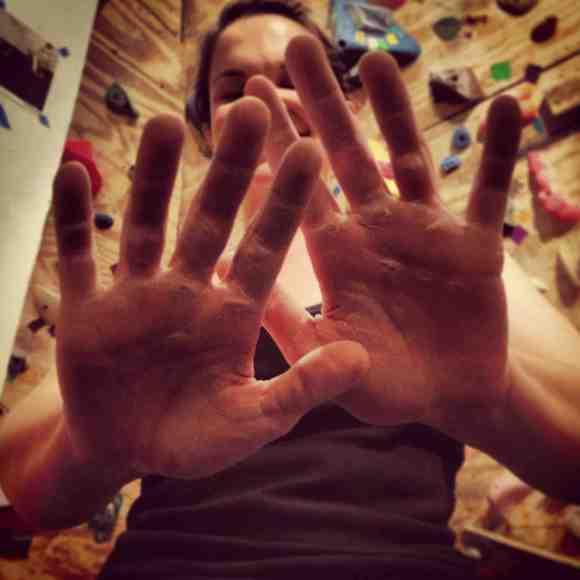 insta_hands4
