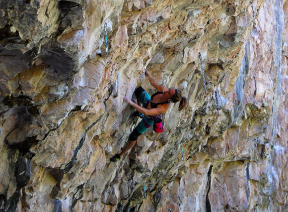 "Heather Robinson on ""The Happiness"" (8b+)"